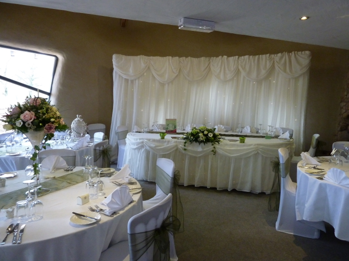 Venue decorations razzle dazzle wedding and party for Forest hill wedding venue